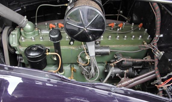 40 Packard Super 8 coupe engine