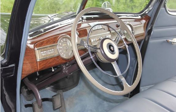 40 Packard Super 8 steering wheel